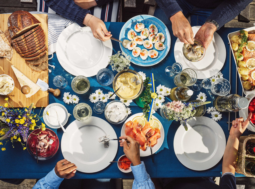 här kan du fira midsommar i göteborg bebis föräldrar bebis i centrum